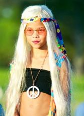 How to dress a hippie