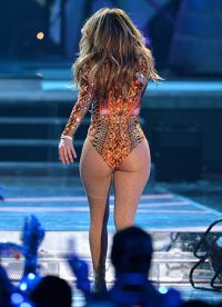 Scenic image of Jennifer Lopez